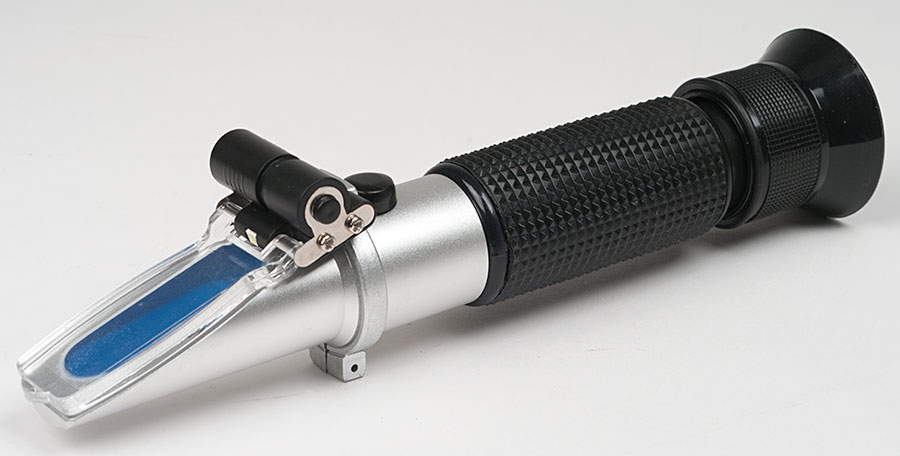 Dual Scale Refractometer With Light & ATC